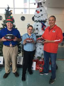 <p> December 3, 2018, Travelers Appreciation Day - The Sharks were at Jacksonville International Airport to greet travelers on Travelers Appreciation Day.</p>